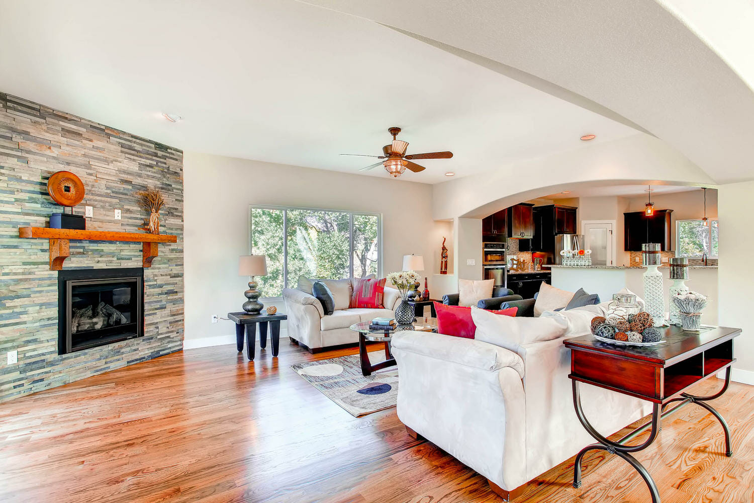 2720 W Platte Ave Colorado-large-005-29-Living Room-1500x1000-72dpi